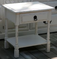 Shabby chic vintage nightstand (Isabella's room)