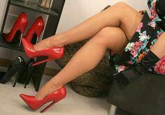 Sexy High Heels, High Heels Stilettos, Stiletto Heels, Pumps, Nylons, Shoe Boots, Shoes, Sexy Legs, Christian Louboutin