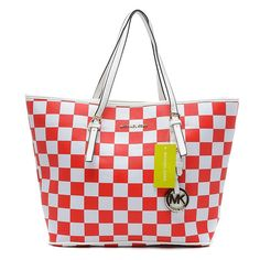 Latest Michael Kors Jet Set Checkerboard Large Red Totes Becomes More And More Popular Among The Fashion World. Mod Fashion, Fashion Heels, Womens Fashion, Top 10 Beauty Tips, Gift Boxes Wholesale, Street Style Store, College Girl Fashion, Latest Makeup Trends, Christian Gifts