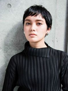 43 Cute Short Haircuts for Short Hair in 2019 - Style My Hairs Short Punk Hair, Short Blonde Haircuts, Layered Bob Hairstyles, Cute Short Haircuts, Very Short Hair, Cute Hairstyles For Short Hair, Short Hair Cuts, Curly Hair Styles, Pretty Short Hair