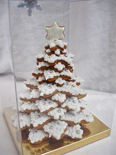 © Cookievonster 2009 - White Winter 3D Gingerbread Cookie Tree | Flickr - Photo Sharing!