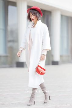 white-coat-outfit-with-red-felt-hat