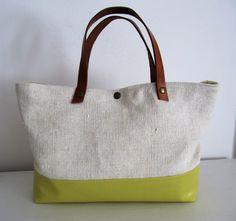 Hemp and yellow leather purse por LAMILAcanvas en Etsy