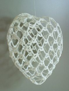 christmas heart ornament variation ~ free pattern ᛡ