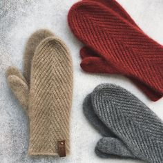 Knitted Mittens Pattern, Knit Mittens, Knitted Hats, Arm Warmers, Knit Crochet, Cuff Bracelets, Gloves, Embroidery, Knitting