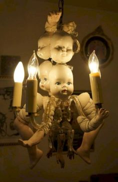 Looking for Creepy Halloween Decorations Ideas this year? Do you think you have to be a crafting expert to create your own stunning and Creepy Retro Halloween, Halloween Prop, Vintage Halloween Decorations, Holidays Halloween, Halloween Themes, Halloween Room Decor, Halloween Sounds, Victorian Halloween, Halloween Pictures
