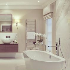 Chic luxury bathroom Sophie Paterson Interiors - Dream Homes Gorgeous Bathroom, Home, Dream Bathrooms, White Bathroom Decor, Sophie Paterson Interiors, White Bathroom, Luxury Bathroom, Bathrooms Remodel, Bathroom Decor