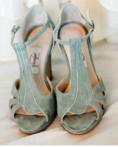 Zapatos verdes de Franjul hechos a medida , ideales para novias e invitadas