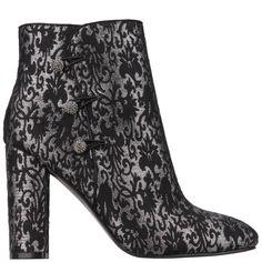 INAMAE – Nina Shoes Nina Shoes, Toe Shape, Block Heels, Heeled Mules, Almond, Velvet, Skinny Jeans, Silhouette, Booty