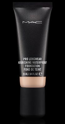 MAC Cosmetics: Pro Longwear Nourishing Waterproof Foundation in NC15