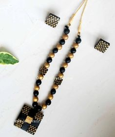 Polymer Clay Necklace, Polymer Clay Charms, Clay Earrings, Terracotta Jewellery Making, Terracotta Jewellery Designs, Custom Jewelry, Handmade Jewelry, Teracotta Jewellery, Beaded Necklace Patterns