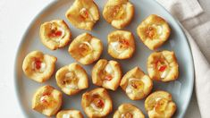 Pepper Jelly-Cream Cheese Bites Easy yet impressive, these three-ingredient bites are perfect for whenever you need an appetizer, fast. Thanksgiving Appetizers, Christmas Appetizers, Thanksgiving Recipes, Holiday Recipes, Thanksgiving Table, Christmas Recipes, Yummy Appetizers, Appetizer Recipes, Elegant Appetizers