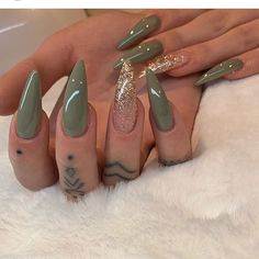 Outstanding Nail Arts To Rock in Summer - VincisZone Aycrlic Nails, Dope Nails, Stiletto Nails, Swag Nails, Grunge Nails, Neon Nails, Art Nails, Glitter Nails, Manicure