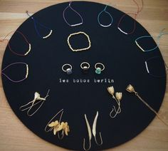 Images of nugget bracelets, 22K gold and silver and matte gold collection ear hangers and necklaces. www.lesbobos.de