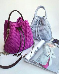 """59 Likes, 4 Comments - ВЯЗАНЫЕ АКСЕССУАРЫ И ДЕКОР (@add_more_knitted) on Instagram: """"Сумка-торба может быть любого размера, не только большая, но и маленькая, как вот эта ☝️в базовом…"""""""