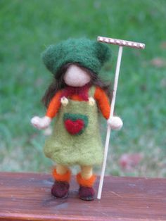 Its time for fall to come, needle felted home decor,