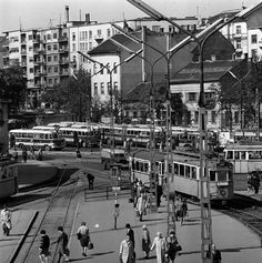 168 Óra Online - Moszkva tér Cartoon Fan, Good Old, Old Pictures, Historical Photos, Hungary, Budapest, Times Square, Street View, Marvel