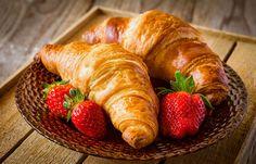 Croissanty, Truskawki, Talerzyk