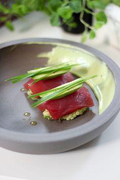 """Het lekkerste recept voor """"Fregola met avocado en tonijn"""" vind je bij njam! Ontdek nu meer dan duizenden smakelijke njam!-recepten voor alledaags kookplezier!"""