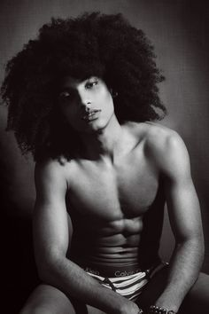 It's very easy to envy the size of this fro and desire a man like the one attached to it but good things come to those who wait ;)