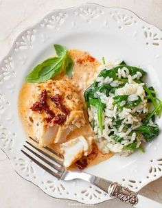 cod in creamy sundried tomato sauce Fish Recipes, Snack Recipes, Cooking Recipes, Healthy Recipes, Recipies, No Cook Appetizers, Fast Dinners, Dinner Dishes, Fish And Seafood