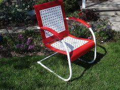 Rare vintage lawn chair...new paint