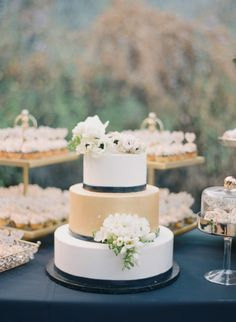Gold, black and white cake: http://www.stylemepretty.com/2015/05/26/black-white-gold-outdoor-glam-wedding/   Photography: Diana McGregor - http://www.dianamcgregor.com/