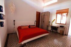 5 individual rooms with original floors @Los Patios