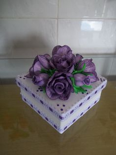 Caixa em Mdf Decorada com Flores em Eva                              … Hobbies And Crafts, Diy And Crafts, Arts And Crafts, Paper Flowers Diy, Flower Crafts, Cigar Box Crafts, Crochet Storage, Decoupage Box, Fabric Boxes