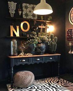 Home Decoration With Flowers Dark Living Rooms, Living Room Paint, Living Room Decor, Bedroom Decor, Decor Room, Boho Deco, Estilo Rock, Dark Interiors, Dream Decor