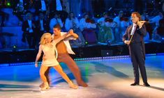 """Andre Rieu interprets """"My Heart Will Go On"""", while two skaters give an enchanting performance"""