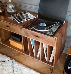 hi fi audio room Plattenschrank aus m - audioroom Lp Regal, Record Player Console, Stereo Cabinet, Media Cabinet, Sideboard Cabinet, Green Woodworking, Woodworking Ideas, Vinyl Record Storage, Vinyl Record Cabinet
