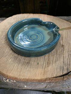 JoJo Pottery Spoon Holders - THOMASYARD Garden Gifts, Pottery Ideas, Ceramic Pottery, Spoon, Ceramics, Hall Pottery, Clay Crafts, Pottery, Ceramica