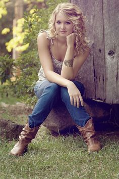 senior outdoor portrait half door barn - Google Search