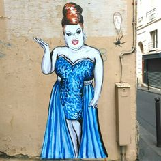 Suriani - street art paris 2 rue des jeûneurs mai 2015. Looks like Ginger Minj!