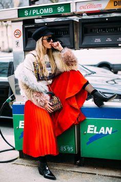 Уличная мода: Неделя моды в Париже сезона осень-зима 2018-2019: уличный стиль первых дней