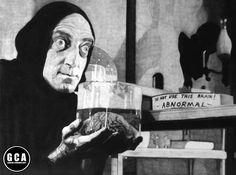 "YOUNG FRANKENSTEIN ""Igor"" Obra original a lápiz grafito sobre madera 45x60cm./18""x24""in de GANYACINEMAART en Etsy"