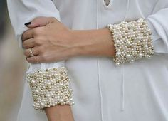 Pearl beaded trims for cuffs /sleeve/neck Fashion Details, Diy Fashion, Beaded Embroidery, Embroidery Designs, Sewing Hacks, Sewing Crafts, Diy Vetement, Lesage, Diy Schmuck