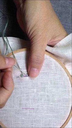 Two spoke woven picot stitch兩線編織葉形繡