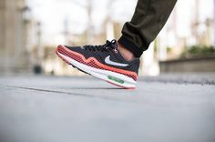 Nike Air Max Lunar1 Breeze - Black / Pure Platinum - Hot Lava 2