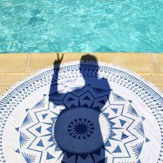 Serviette ronde HeyChillers www.heychillers.com // Blog-Photo @jesussauvage #servietteronde #roundtowel #roundie #roundies #serviette #piscine #jesussauvage