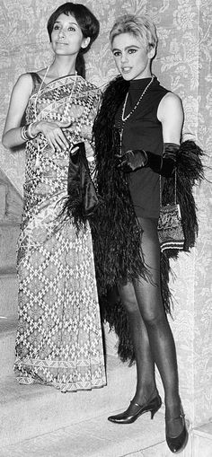 Edie Sedgwick and Madhur Jaffrey at the 3rd Annual Lincoln Center New York Film Festival party. September 14, 1965. Photo by William Jacobellis. #EdieSedgwick #AndyWarhol