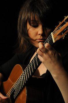 Sabrina Vlaskalic - Classical Guitarist