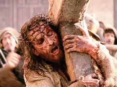 Jesus Picture Carrying Cross The Passion Of Christ Movie Jim Caviezel, Christ Movie, La Passion Du Christ, Resurrection Day, Bless The Lord, Mel Gibson, Thank You Jesus, Jesus Pictures, Films