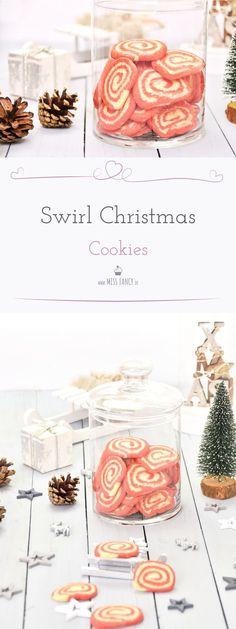 Diese lustigen Nikolaus Cookies passen perfekt zur Weihnachtszeit. So einfach und leicht nachzumachen, das Rezept habe ich hier für dich auf meinem Blog :-) #Nikolaus #Cookies #Plätzchen #Weihnachtsplätzchen #Gebäck