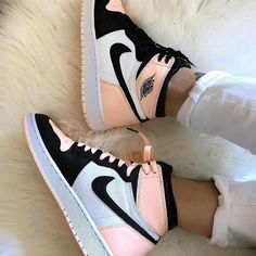 Nike air Jordan ones pink white black they look amazing definitely check them out. Sneakers Shoes, Cute Nike Shoes, Cute Sneakers, Nike Air Shoes, Sneakers Fashion, Converse Shoes, Jordans Sneakers, Sneakers Adidas, Nike Air Jordans