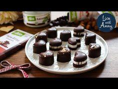 Valentýnské pralinky | dmBio - YouTube Make It Yourself, Desserts, Youtube, Food, New Years Eve, Tailgate Desserts, Deserts, Essen, Postres