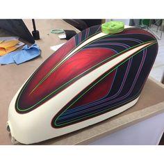 Moto Custom, Custom Motorcycle Paint Jobs, Custom Paint Jobs, Custom Motorcycles, Custom Bikes, Air Brush Painting, Car Painting, Pinstriping Designs, Helmet Paint