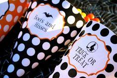 Halloween Printable Treat Cones by Flair Designery #flairdesignery #halloween