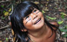 """Criança indígena que não sabia falar português vira atriz de """"Tainá - A Origem""""…"""